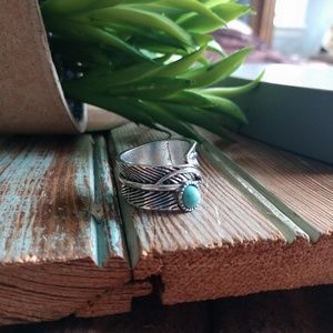 Vintage size 8 turquoise leaf ring